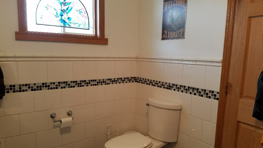 Classic black and white bathroom tile