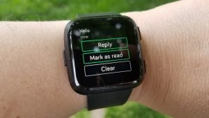 Quick Replies to notifications on the Fitbit Versa