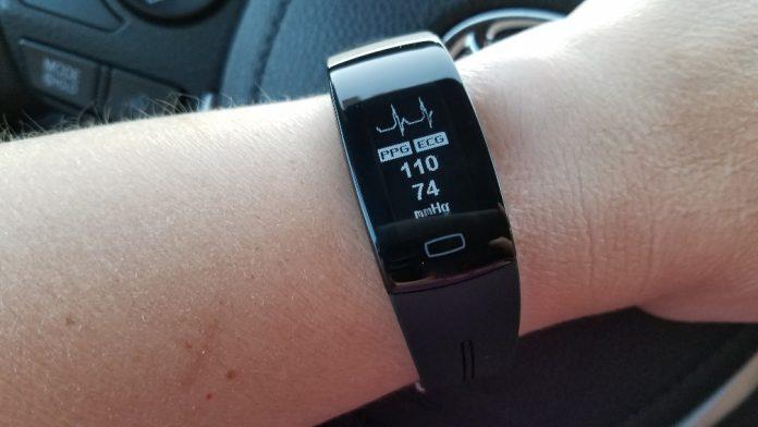 Tom Tony P3 ECG Blood Pressure Watch Review | The Journier