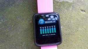 Blood pressure history screen (long press to measure blood pressure)